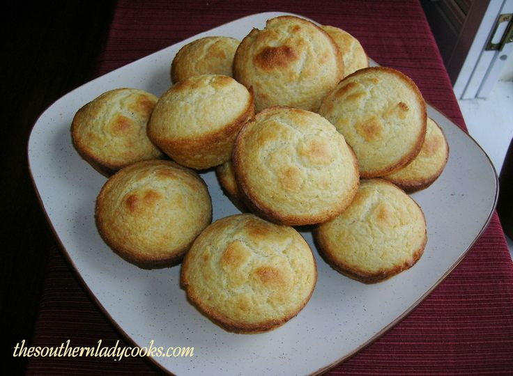 SOUR CREAM CORNBREAD MUFFINS..... Great with soups and stews from ...