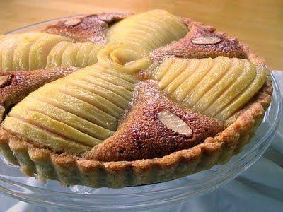 pear almond tart w. shortbread crust | Gateaux