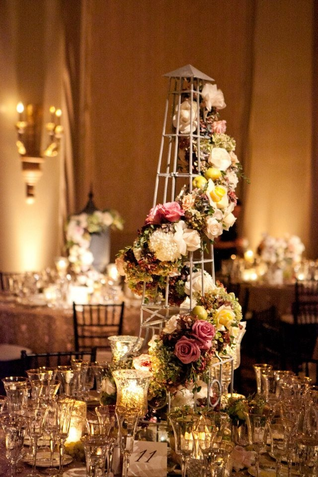 Creative centerpiece mother of the bride with love