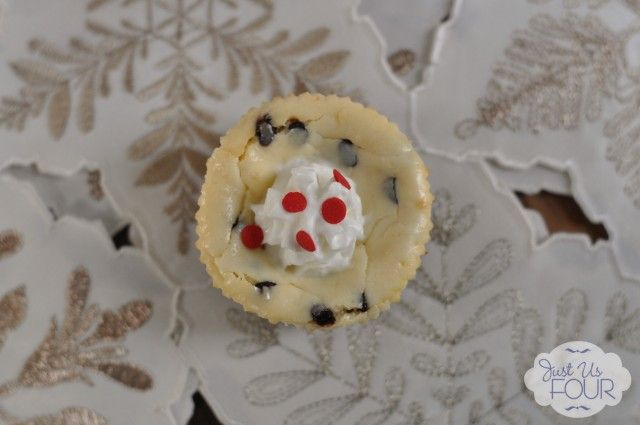Peppermint Chocolate Chip Cheesecake Bites #Christmasrecipes #desserts