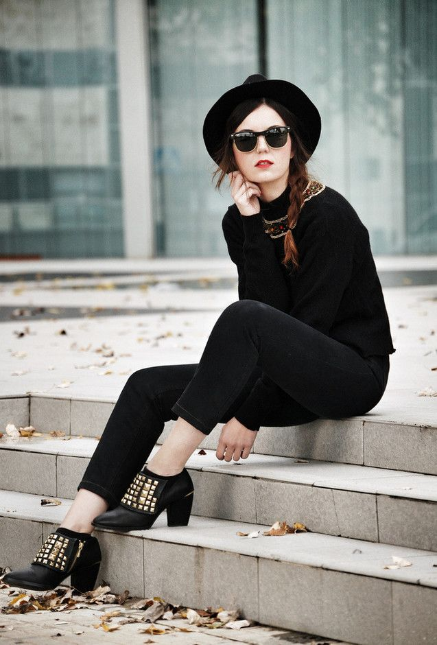 Cute all black Raybans sunglasses Studded black leather boots