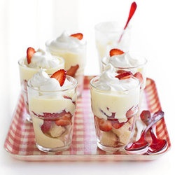 Strawberries 'n' Cream Trifle — Punchfork