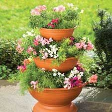 3-tier planter from front-porch-ideas-and-more.com