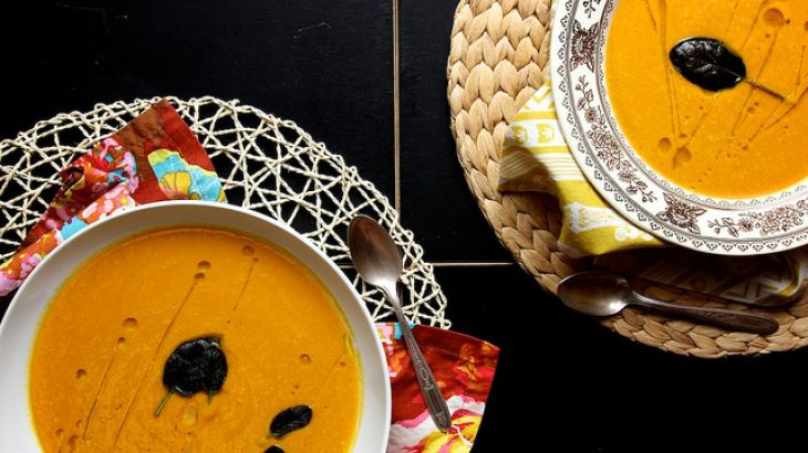 Vegan Creamy Curried Pumpkin Soup Recipe | Food I want to make! | Pin ...