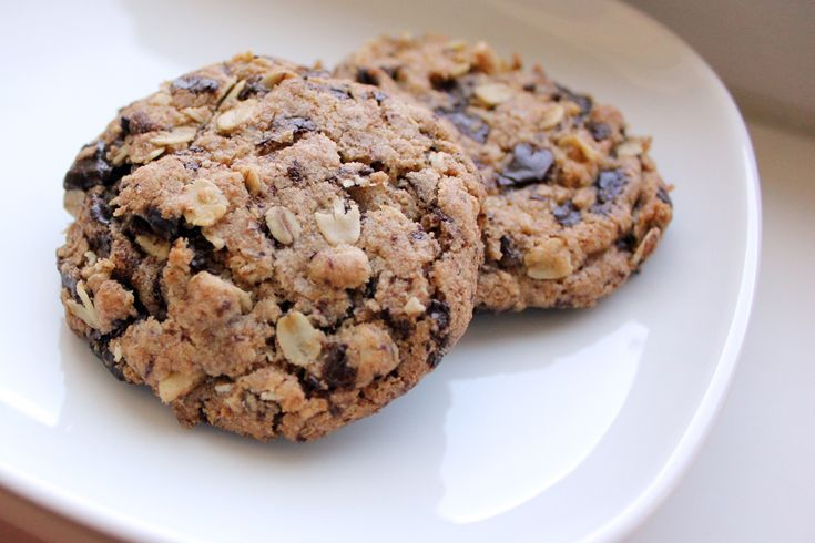Whole Wheat Chocolate Chip Cookies | Cocoa-y Healthy Eats | Pinterest
