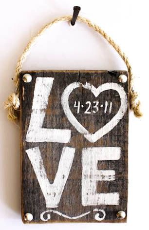 DIY Personalized Wood Wedding Date Sign, I am soooo going to do this. I love it!