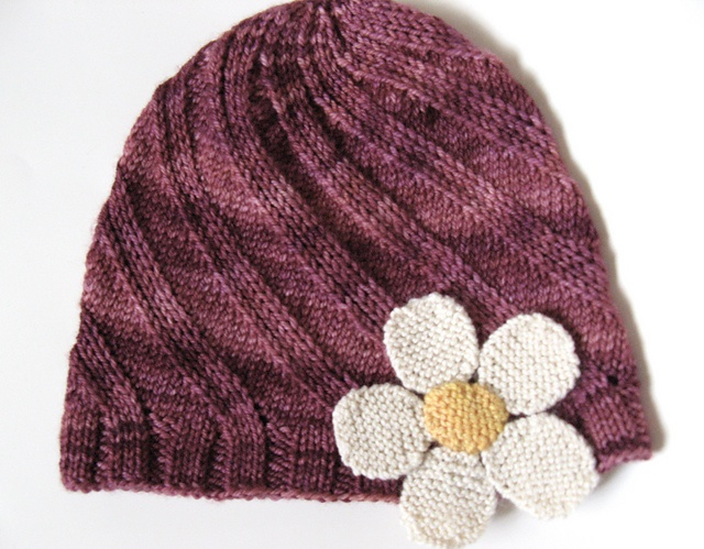 Odessa hat with flower (free pattern) | Knitting | Pinterest