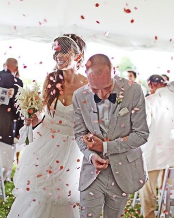 confetti wedding toss