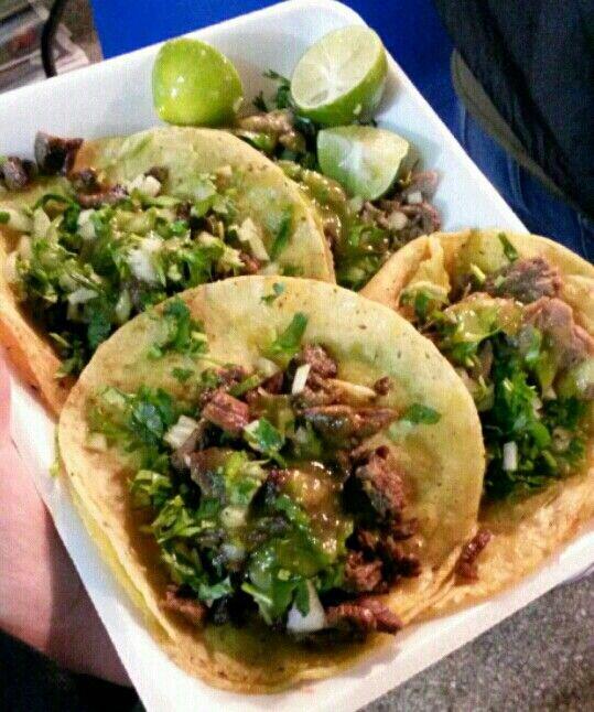 Tacos de lengua y asada | Nom, nom, nom: Food and Drinks | Pinterest