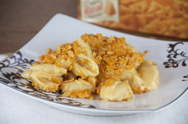 Cheez-it Macaroni and Cheese Recipe. Creamy mac & cheese dinner topped ...