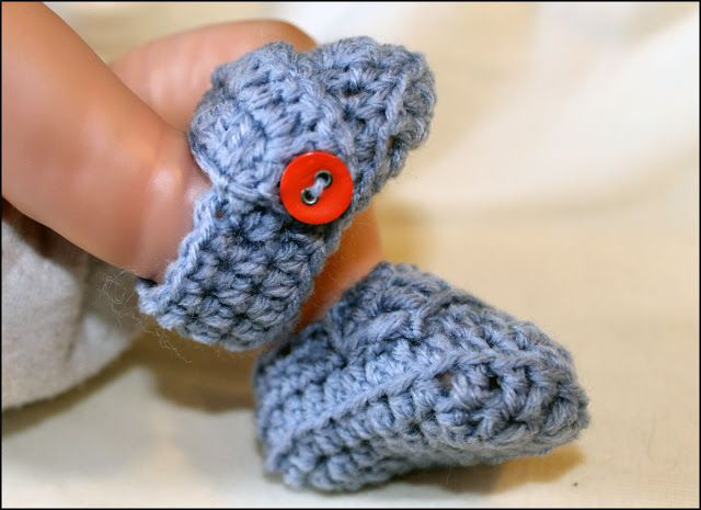 Free Crochet Pattern For Preemie Baby Booties : Mamma That Makes: Dorian Booties crochet: preemie/ free ...