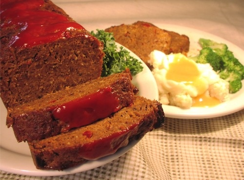Meatloaf, broccoli and mash | Food, glorious food | Pinterest