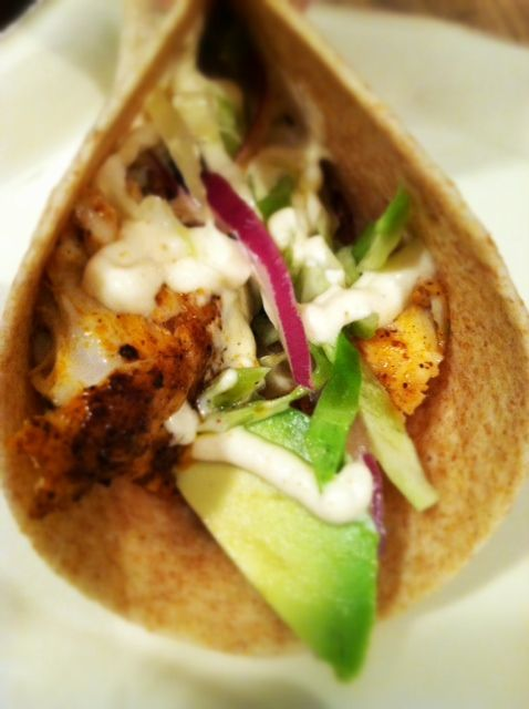 Lettuce wrap fish tacos with spicy cabbage slaw and for Slaw recipe for fish tacos