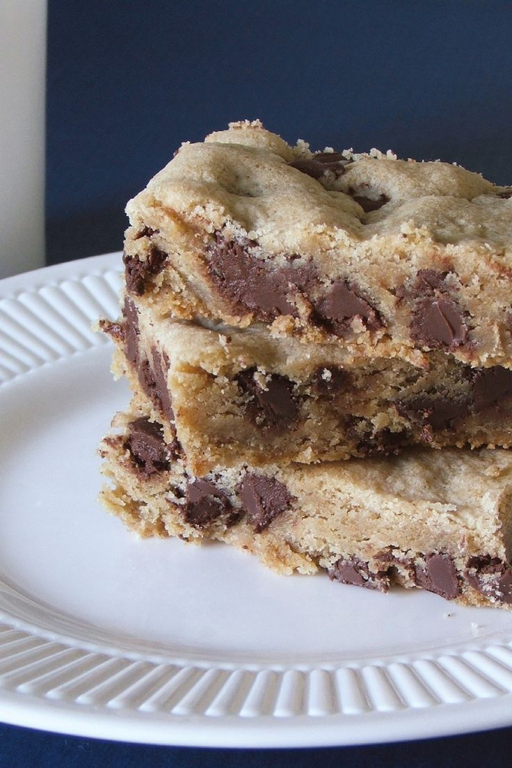 More like this: peanut butter brownies , peanuts and peanut butter .