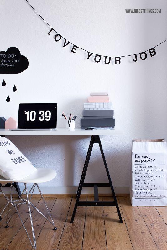 Nicest Things: DIY Tafelfolie-Wolke / Arbeitsplatz Schreibtisch Home Office Working Space Holzhäuschen Wooden Houses / Eames Hay Fliqlo Leitmotiv Design Letters Le Sac En Papier Omm Design Letter Garland