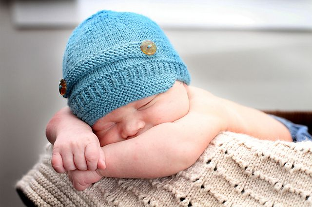Baby Hat Knitting Pattern Ravelry : Baby Newsboy Hat - Baby Cakes by Little Cupcakes - Bc22 pattern by Li?