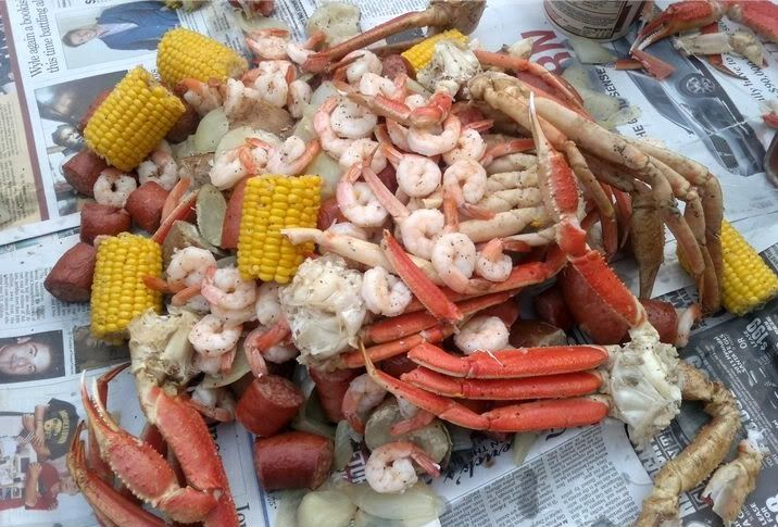 Country decorating for a boil low country boil