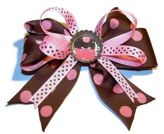 Love this beautiful bow by Lizzie's Bowtique! She made it using the Bowdabra Perfect mini hair bow maker