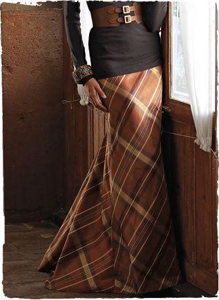 simply stunning dress and belt!