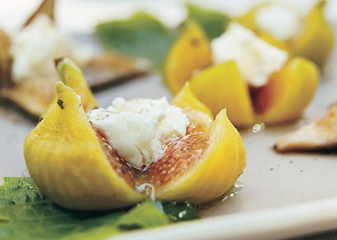 Fresh Figs with Goat Cheese and Peppered Honey. I've made this and ...