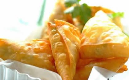 ... Corn Samoosas: the perfect finger-food for a #picnic. #eatoutfestival