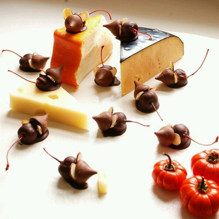 Chocolate cherry mice   Recipes - Desserts   Pinterest