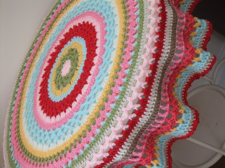 crochet circle blanket Crafts Pinterest
