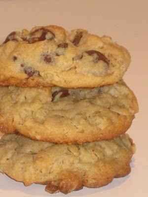 Mag-Pie's & more: Oatmeal Peanut Butter Chocolate Chip Cookies