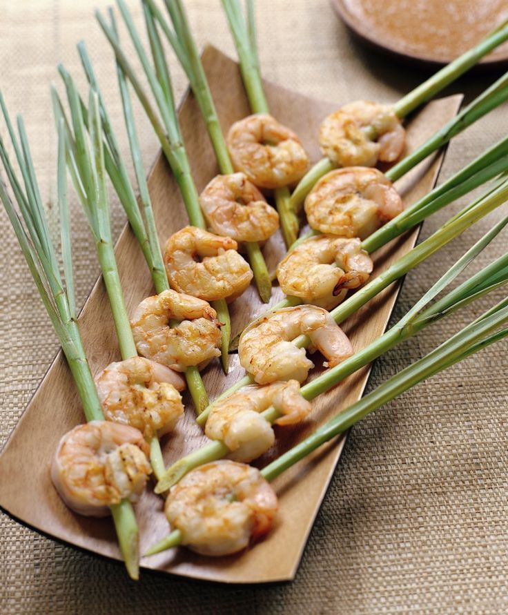 BROCHETAS DE GAMBAS Y CITRONELA (lemongrass shrimp skewers)