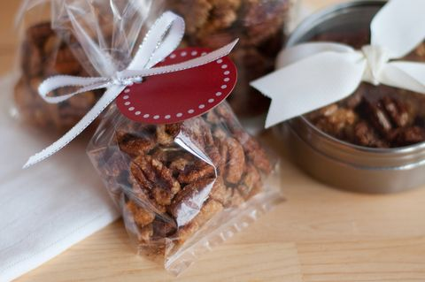 Sweet and spicy maple roasted walnuts from @Charmaine Velasco Baan