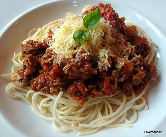 spaghetti bolognese | Food and drink | Pinterest