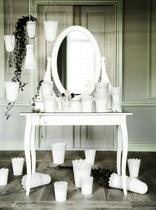 Hemnes dressing table with mirror white for Mirrors ikea usa