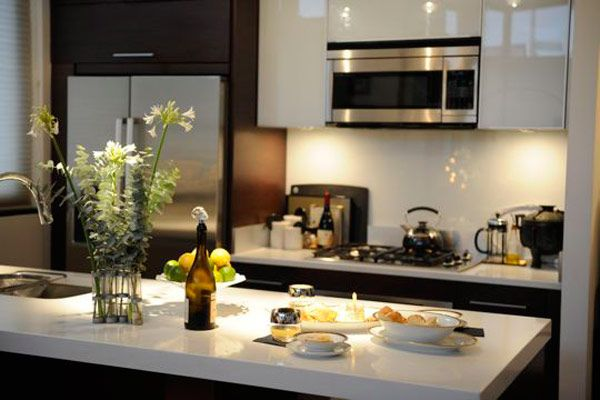 brancoprata decoracao:decoracao-cozinha-preto-branco-prata-dourado-glamourai-kelly-framel-05