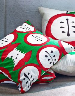 Cushion covers with different apple print
