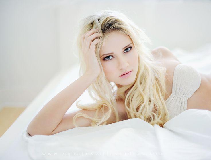 Georgeous Blonde 37