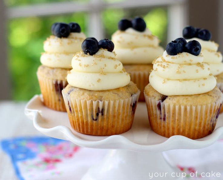 Cinnamon Blueberry Cupcakes with Cream Cheese Frosting - Your Cup of ...