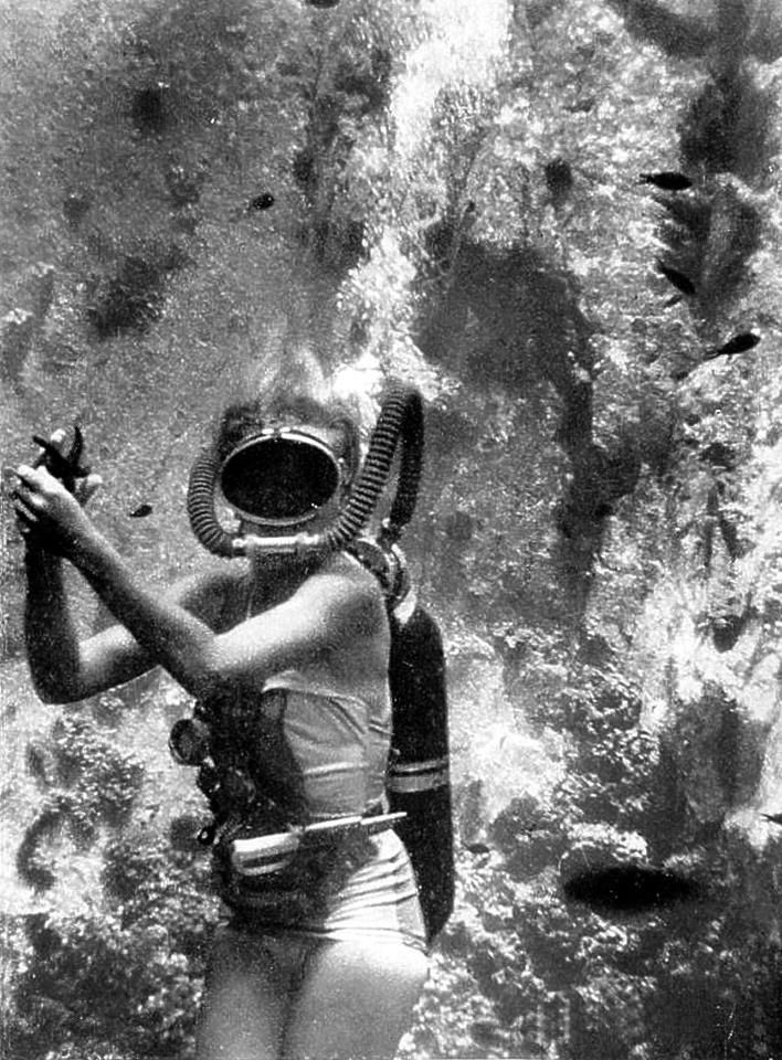 Vintage Scuba Diver Pictures to Pin on Pinterest - PinsDaddy