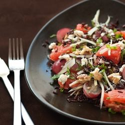 Black rice salad with, fennel, grapes, grapefruits, nuts and feta