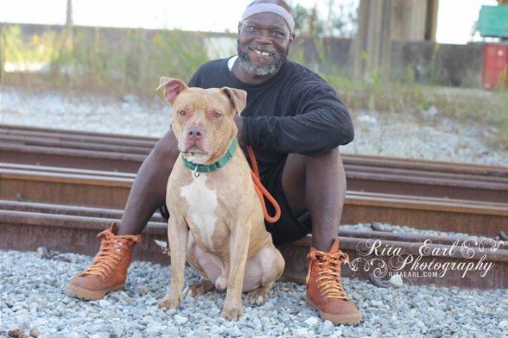 Earl Moffet of Pit Bulls & Parolees Villalobos Rescue Center pitbull ...