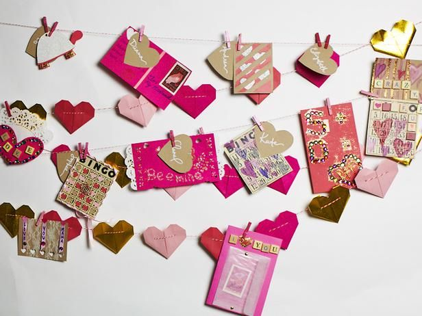 Make #valentines and more crafts with game pieces from HGTV's Design Happens blog! (http://blog.hgtv.com/design/2014/01/27/board-game-crafts/?soc=pinterest)