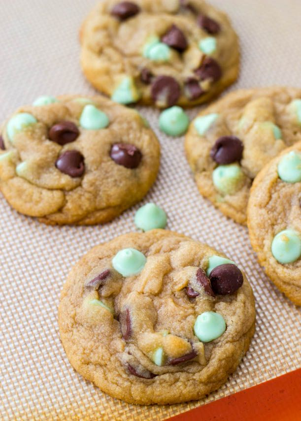 Soft-Baked Mint Chocolate Chip Cookies | Cookies | Pinterest