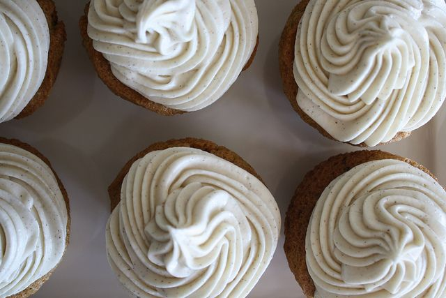 Spiced Zucchini Cupcakes w/ Cinnamon Cream Cheese Frosting