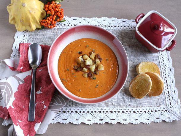 Roasted Red Pepper and Cauliflower Soup. | recipies | Pinterest