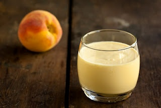 SWEET CAROLINA PEACH INFUSED WINE SMOOTHIE (It's a smoothie so I can ...
