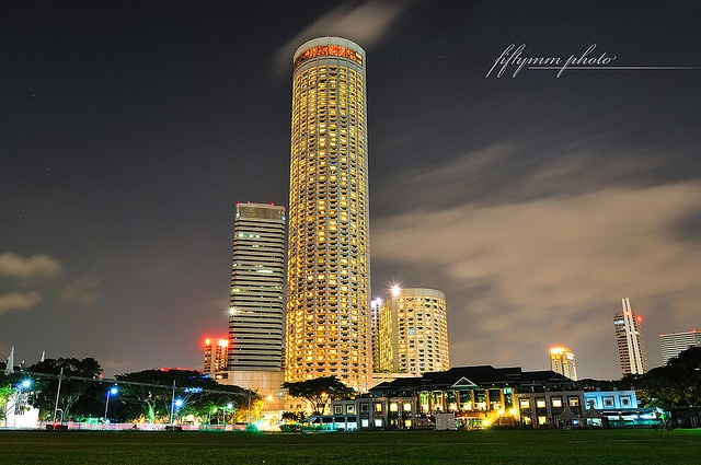 Singapore swissotel the art gallery lighting tips for Tallest hotel in singapore