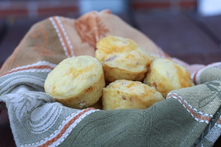 Bacon, Onion, and Cheddar Corn Muffins | Food | Pinterest