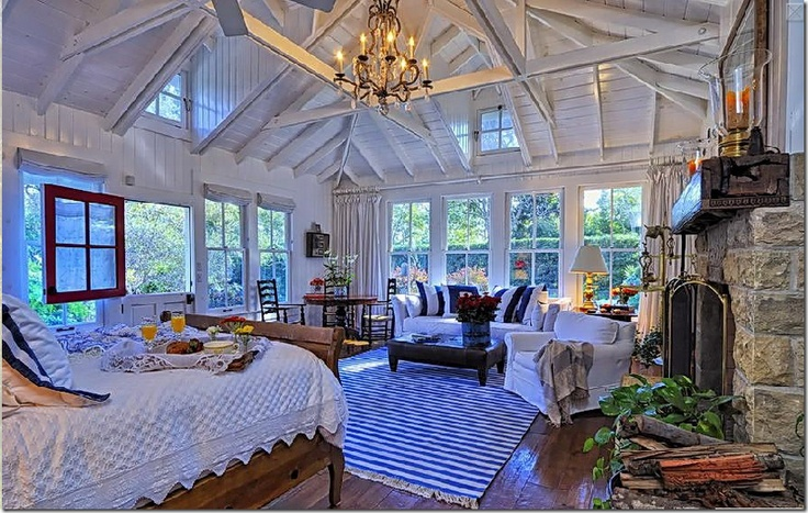Amazing master suite with soaring ceiling...cozy and gorgeous!