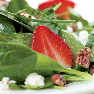 Green Salad with Strawberries and Goat Cheese | Recipe