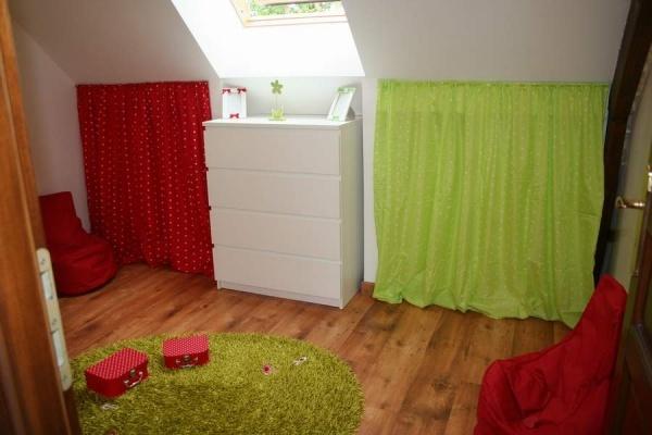 Maison Contemporaine Bois Montpellier : chambre verte et rouge  Decoration chambre bebe  Pinterest