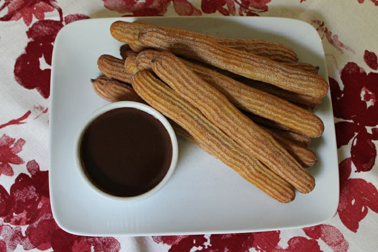 "Baked Churros with Hot Chocolate | MIAM ""Desserts pour familles"" 